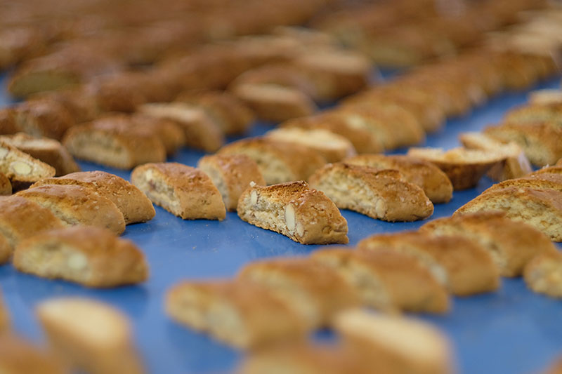 How many of these cantuccini do you want?