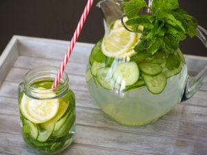 Acqua cetriolo zenzero limone menta